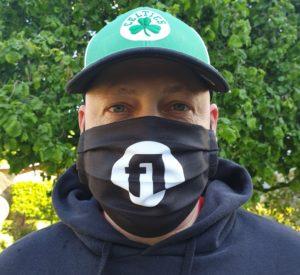 Maske schwarz mit Logo